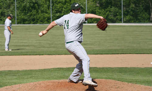 2012_gronek_zack_baseball_discover_image2.jpg
